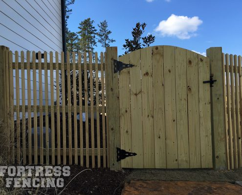 Arch Privacy Gate with Deck Rail Picket