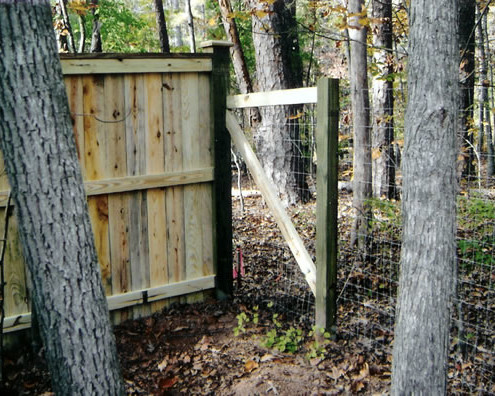 Combination Wood Privacy & Post Wire