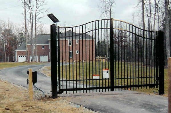 Double Drive Woodbridge Bennington Estate Gate