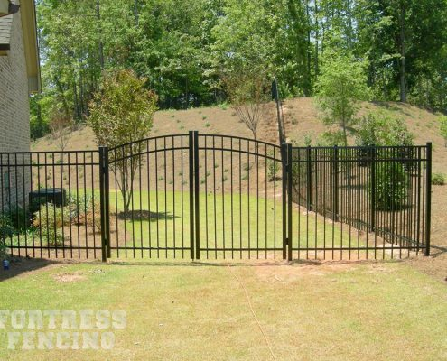 FA 1 aluminum fence residential double gate arched