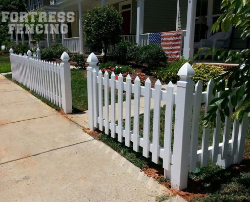 FV7 - Traditional Sawtooth PVC Vinyl Picket