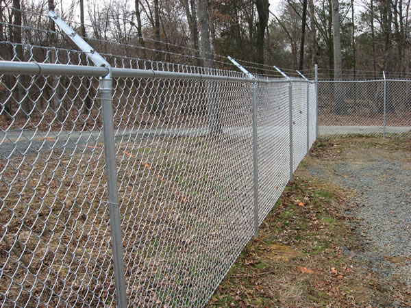 Residential chain link fencing fortress