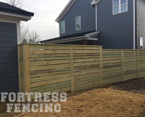 6' Horizontal with Alternating Pickets