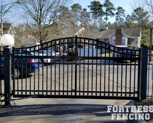 Steel Estate Arched Gate With Rings